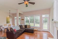 Large family roommate - 43829 RIVERPOINT DR, LEESBURG