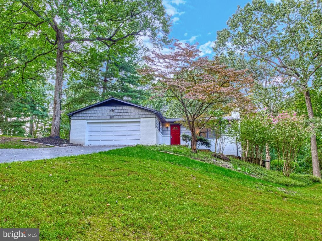 WELCOME HOME - 1566 DRANESVILLE RD, HERNDON
