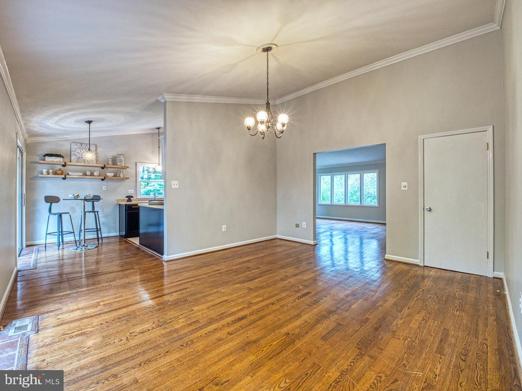 SEPARATE DINING ROOM - 1566 DRANESVILLE RD, HERNDON