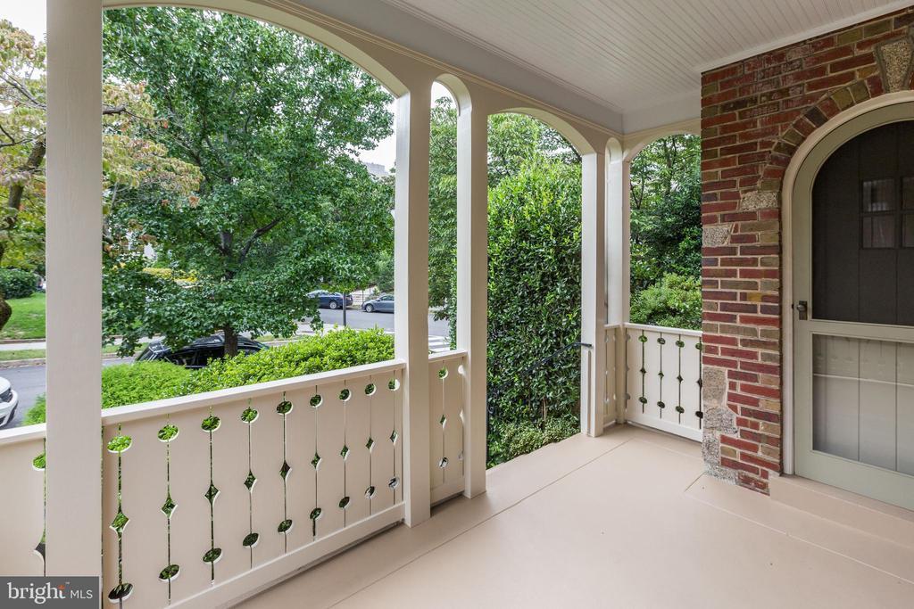 Renovated Front Porch - 2706 CORTLAND PL NW, WASHINGTON