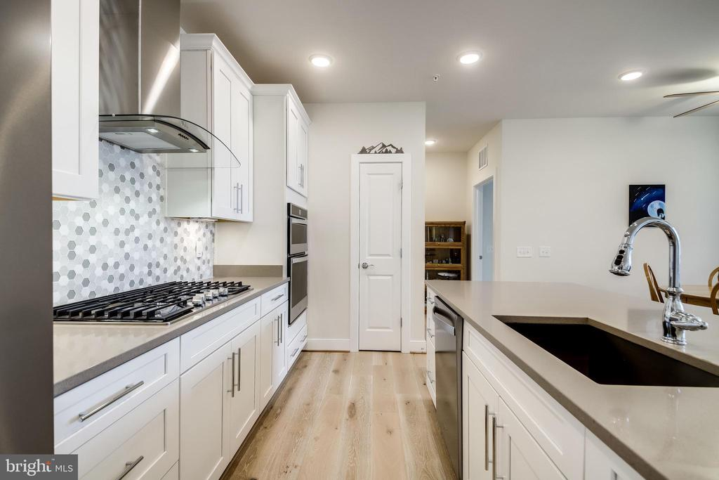 Stellar Gray Quartz Counters - 11200 RESTON STATION BLVD #402, RESTON