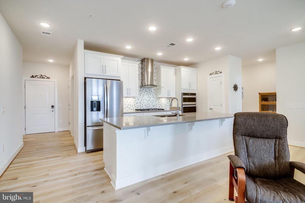Smart Home Enabled - 11200 RESTON STATION BLVD #402, RESTON