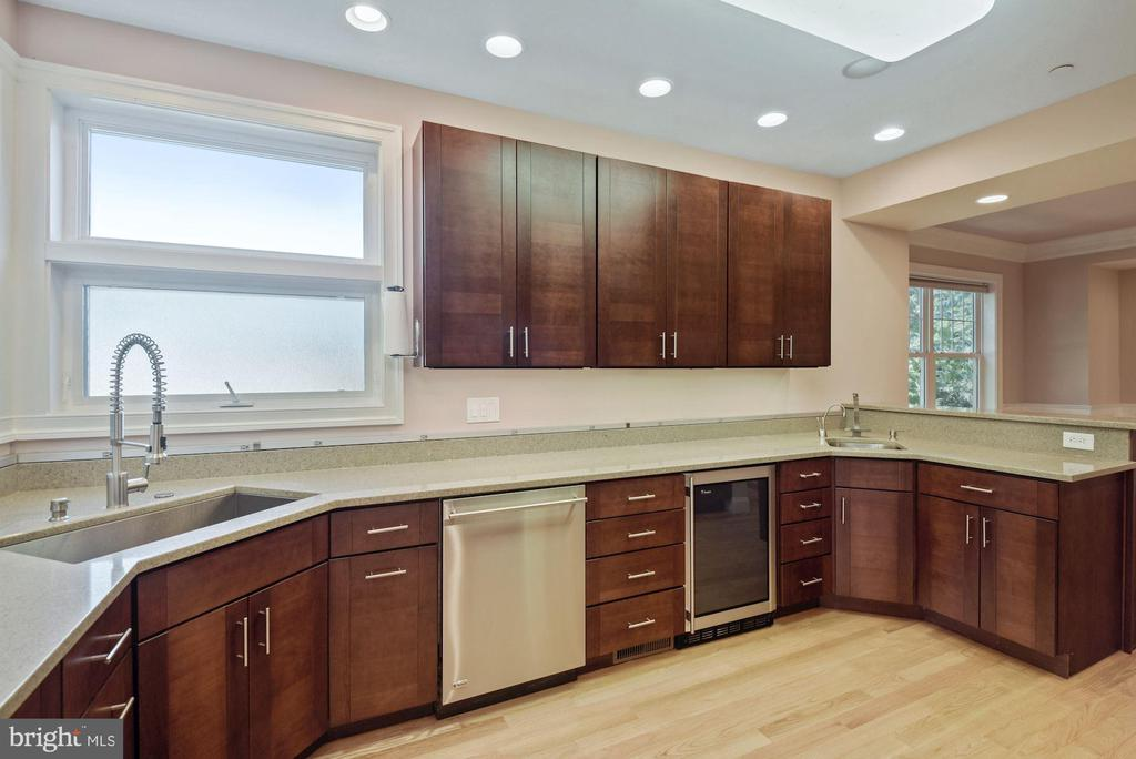 Kitchen - 1903 KERMIT RD, SILVER SPRING
