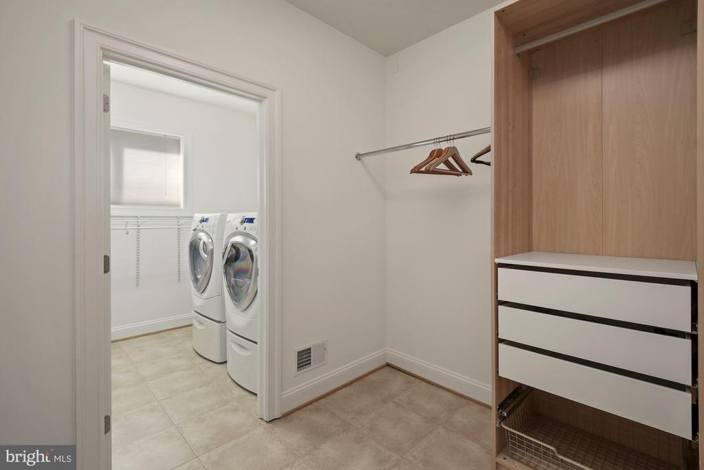 Laundry and Mud Room - 1903 KERMIT RD, SILVER SPRING