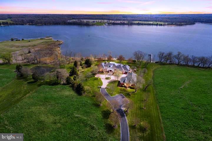 Single Family Homes 为 销售 在 Clements, 马里兰州 20624 美国