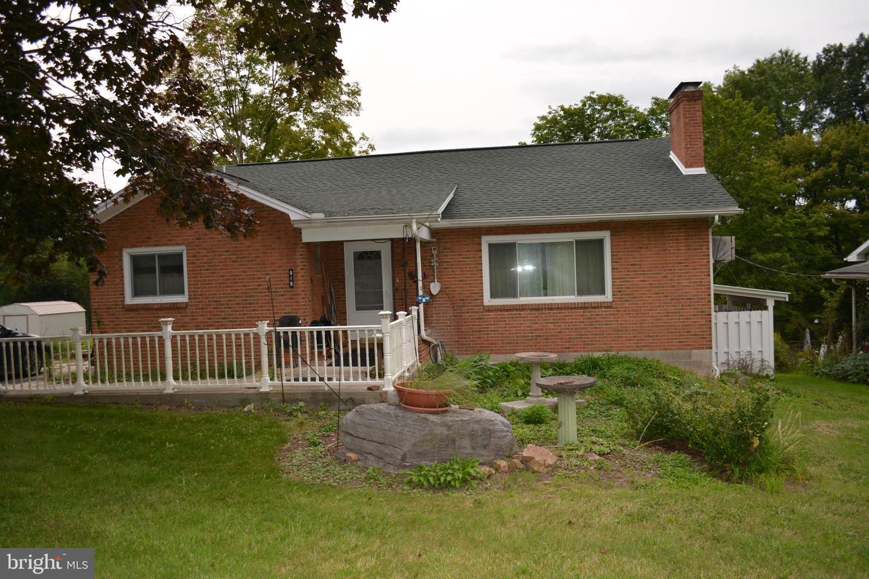 Single Family Homes のために 売買 アット Hollidaysburg, ペンシルベニア 16648 アメリカ
