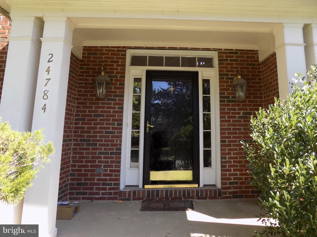 Front door - 24784 HIGH PLATEAU CT, ALDIE