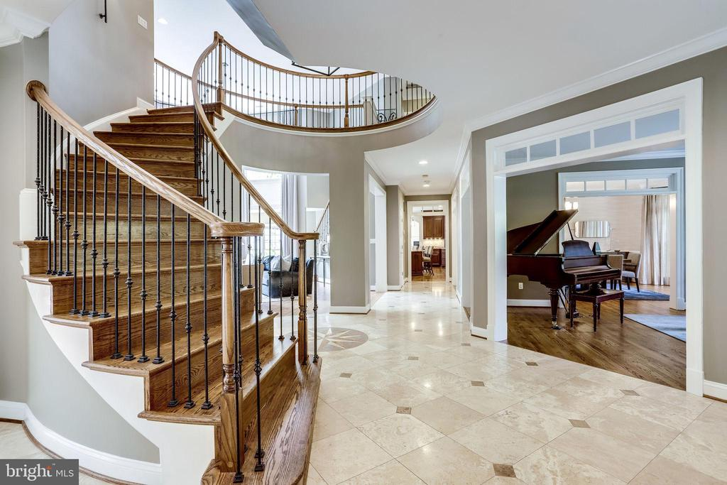 Marble foyer and circular staircase - 2124 POLO POINTE DR, VIENNA