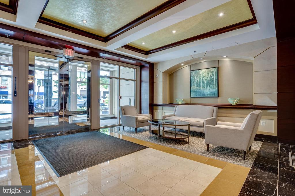 Impressive Lobby - 888 N QUINCY ST #512, ARLINGTON