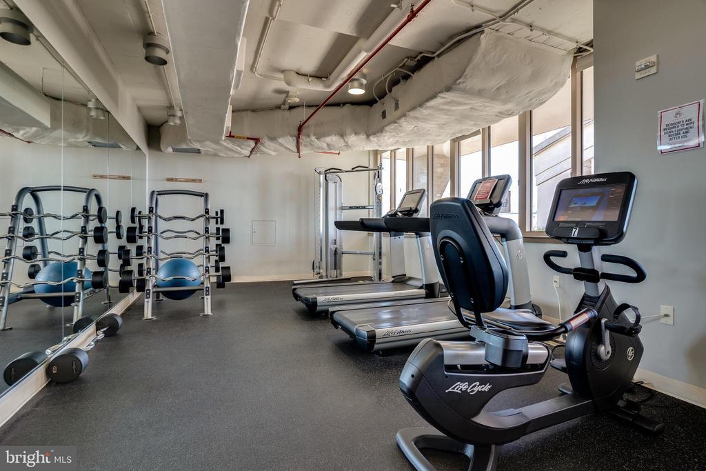 Fitness Room - 888 N QUINCY ST #512, ARLINGTON
