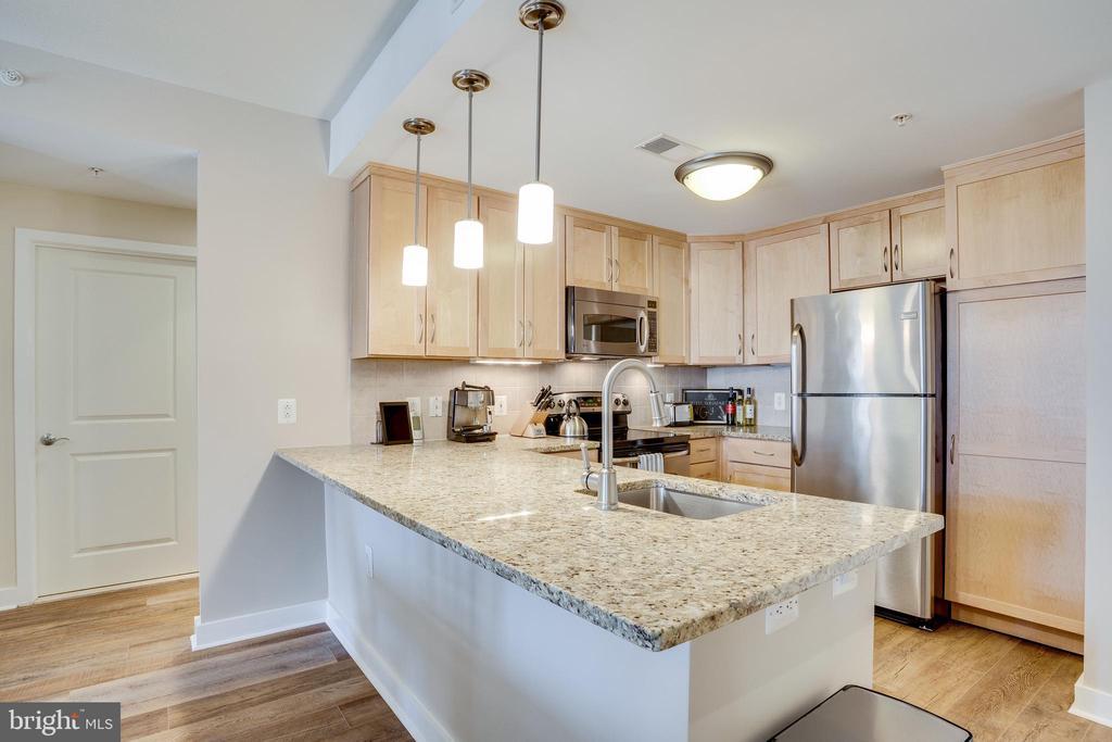Open Handsome Kitchen - 888 N QUINCY ST #512, ARLINGTON