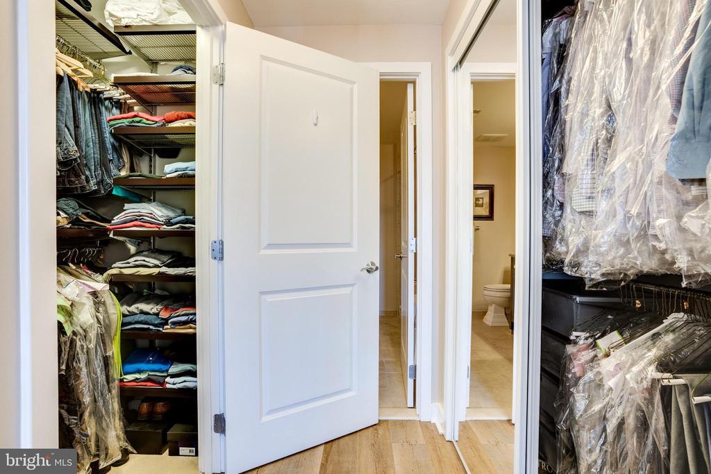 Walk In Closet  and Closet #2 - 888 N QUINCY ST #512, ARLINGTON