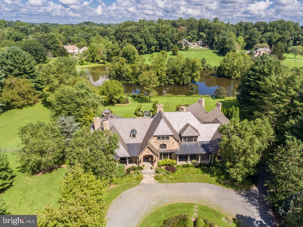 Aerial Front View Showing Lake - 626 PHILIP DIGGES DR, GREAT FALLS