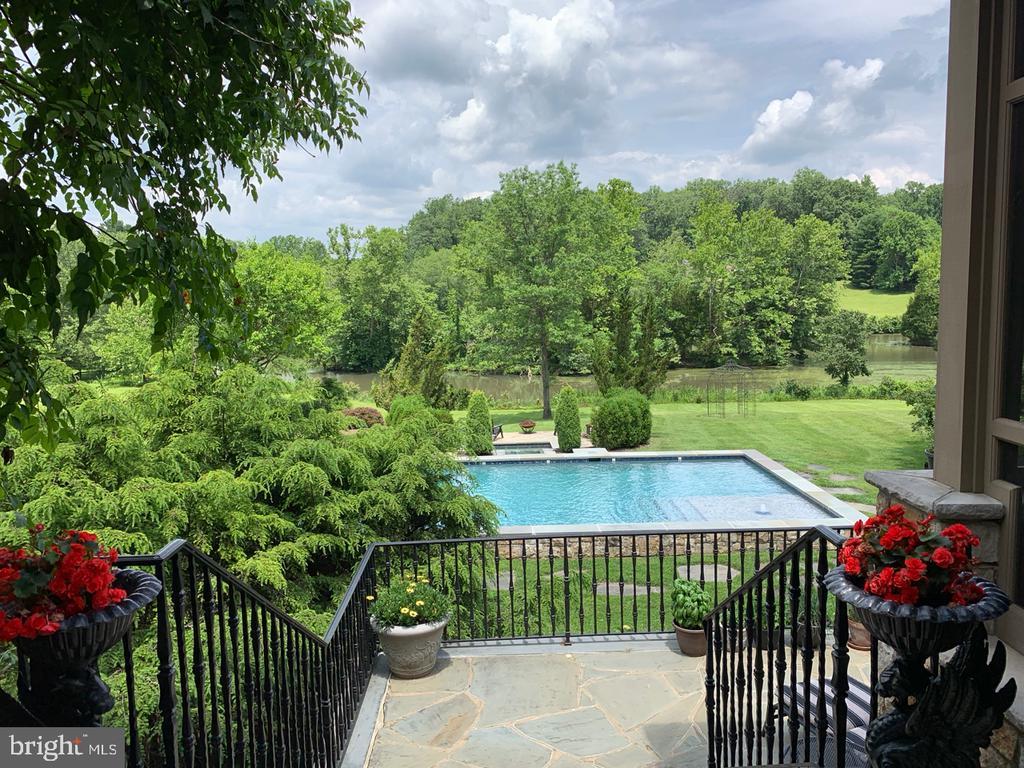 View  to Pool & Lake - 626 PHILIP DIGGES DR, GREAT FALLS