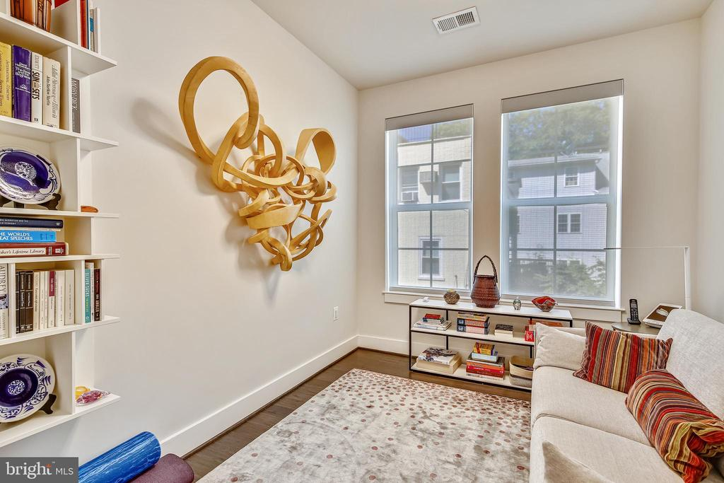 Den - 1411 KEY BLVD #311, ARLINGTON