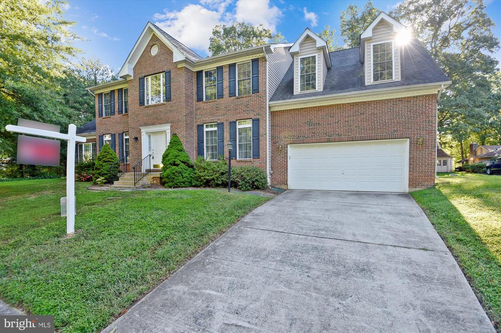 Stately and beautiful - 15901 EDGEWOOD DR, DUMFRIES