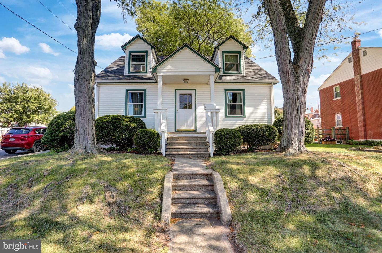 Single Family Homes pour l Vente à East Greenville, Pennsylvanie 18041 États-Unis