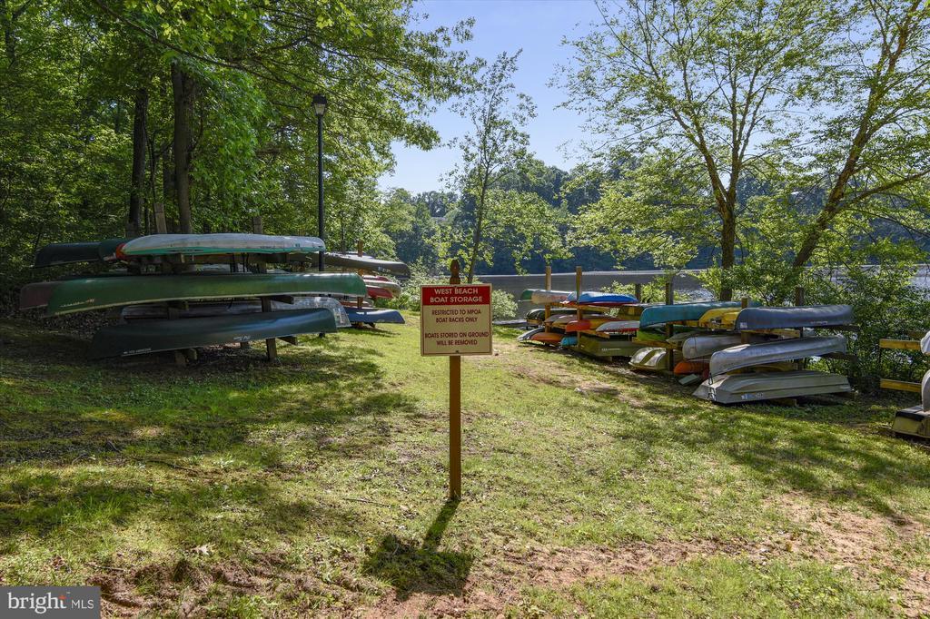 Canoe storage at West Beach - 15901 EDGEWOOD DR, DUMFRIES
