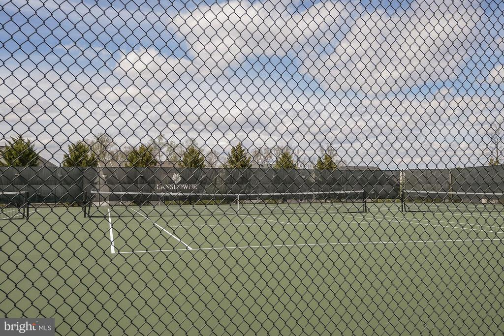 Lansdowne on the Potomac Tennis Courts - 44220 RIVERPOINT DR, LEESBURG