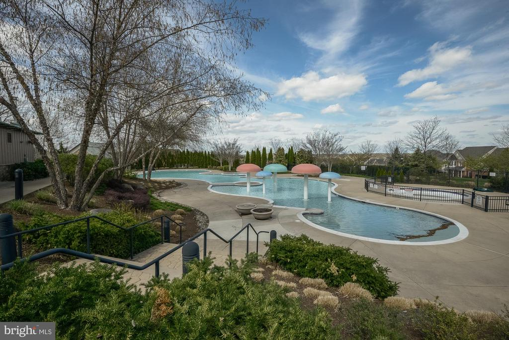 Outdoor Pool for Lansdowne on the Potomac Club - 44220 RIVERPOINT DR, LEESBURG