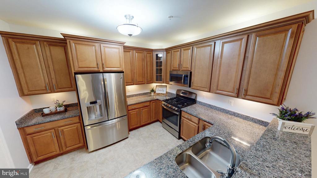 Stainless Appliances and Granite Tops! - 43144 SUNDERLAND TER #305, BROADLANDS