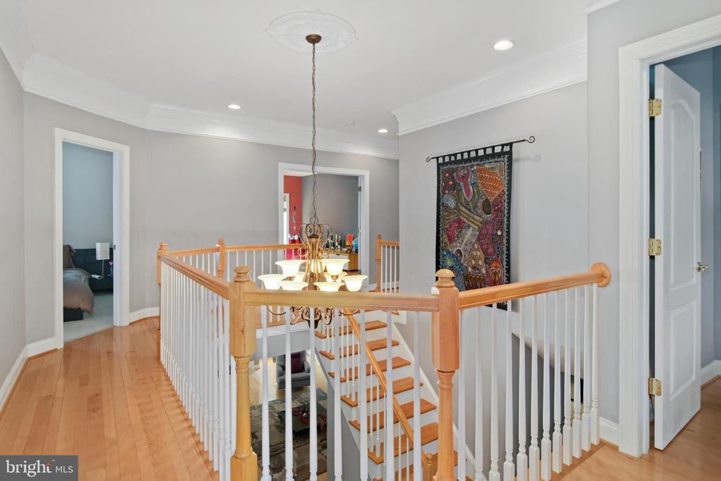 2nd Floor Hallway - 43945 RIVERPOINT DR, LEESBURG