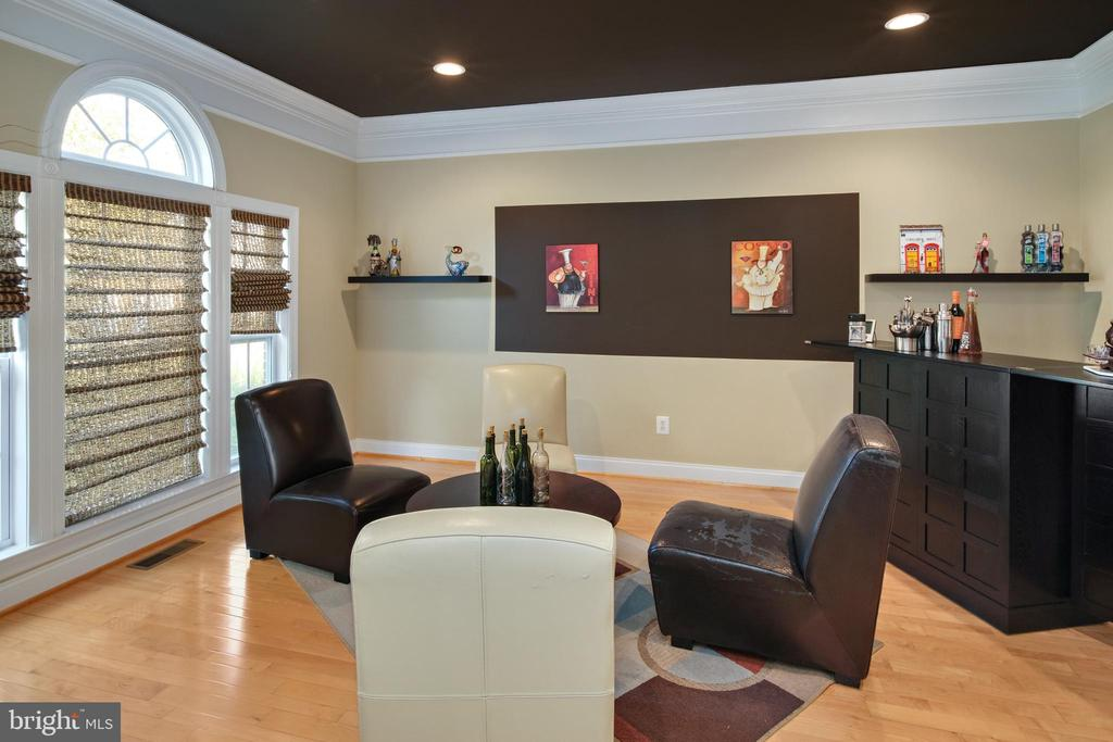Living room - 43945 RIVERPOINT DR, LEESBURG