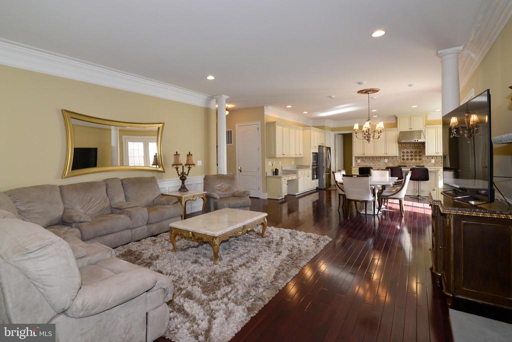 - 20137 BLACK DIAMOND PL, ASHBURN