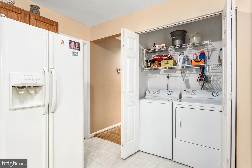 Easy Laundry access - 507 STONEY CREEK CT, STERLING