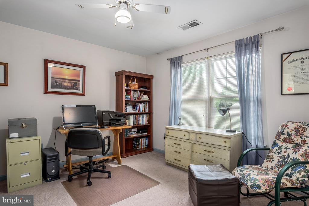 Bedroom 1 being used as an office - 507 STONEY CREEK CT, STERLING
