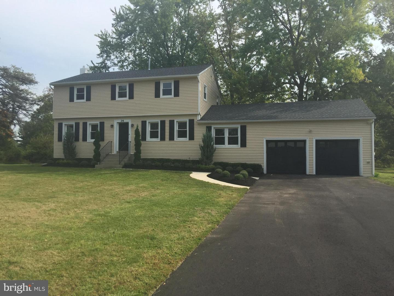 Single Family Homes のために 売買 アット Pennington, ニュージャージー 08534 アメリカ