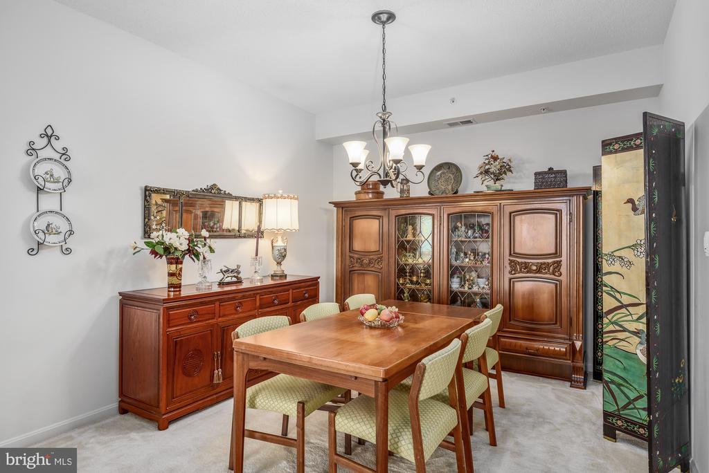 Dining room - 19355 CYPRESS RIDGE TER #417, LEESBURG
