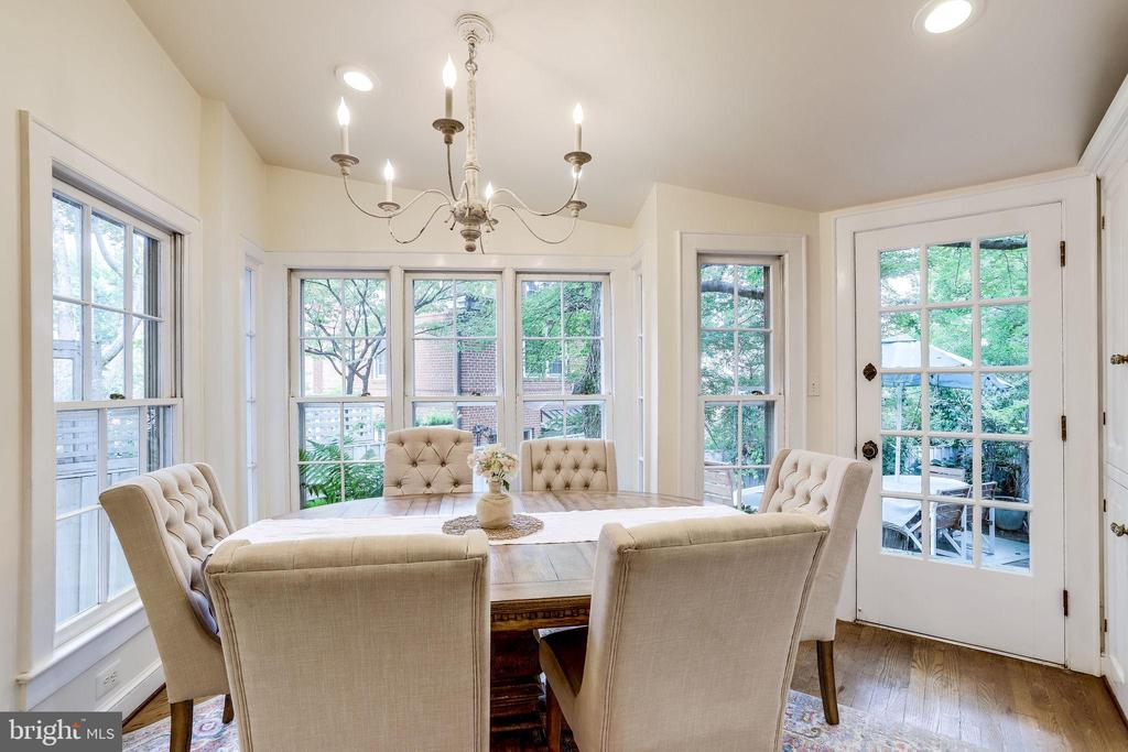 Dining room or sunroom - 210 JEFFERSON ST, ALEXANDRIA
