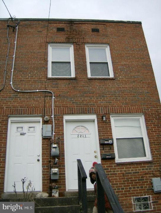 Front - 2211 15TH ST NE, WASHINGTON