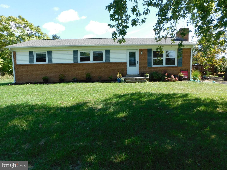 Single Family Homes para Venda às Star Tannery, Virginia 22654 Estados Unidos