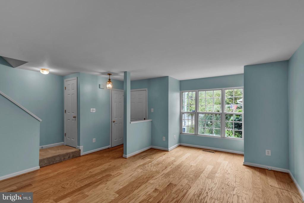 Living Room! - 13536 DARTER CT, CLIFTON