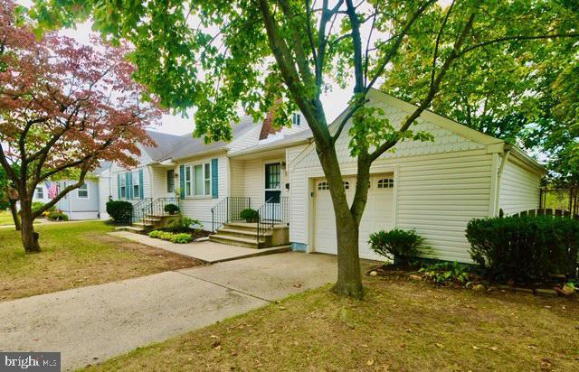 Single Family Homes 為 出售 在 Roebling, 新澤西州 08554 美國