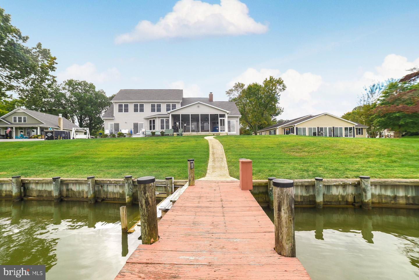 Single Family Homes for Sale at Cobb Island, Maryland 20625 United States