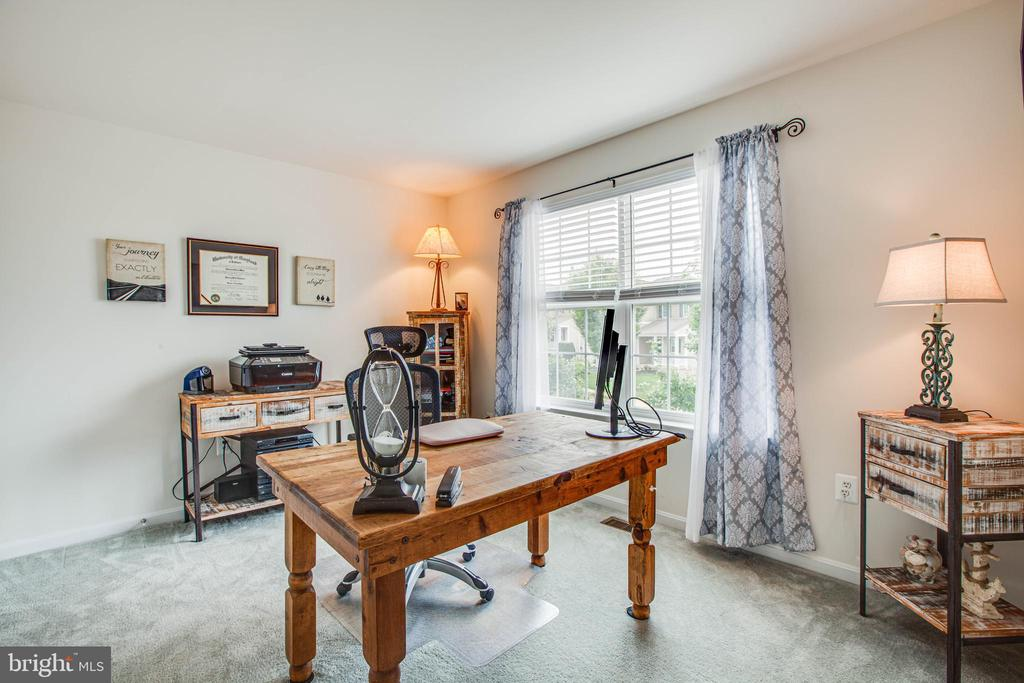 Bedroom 2 (being used for additional office space - 1916 MEADOW LARK DR, CULPEPER