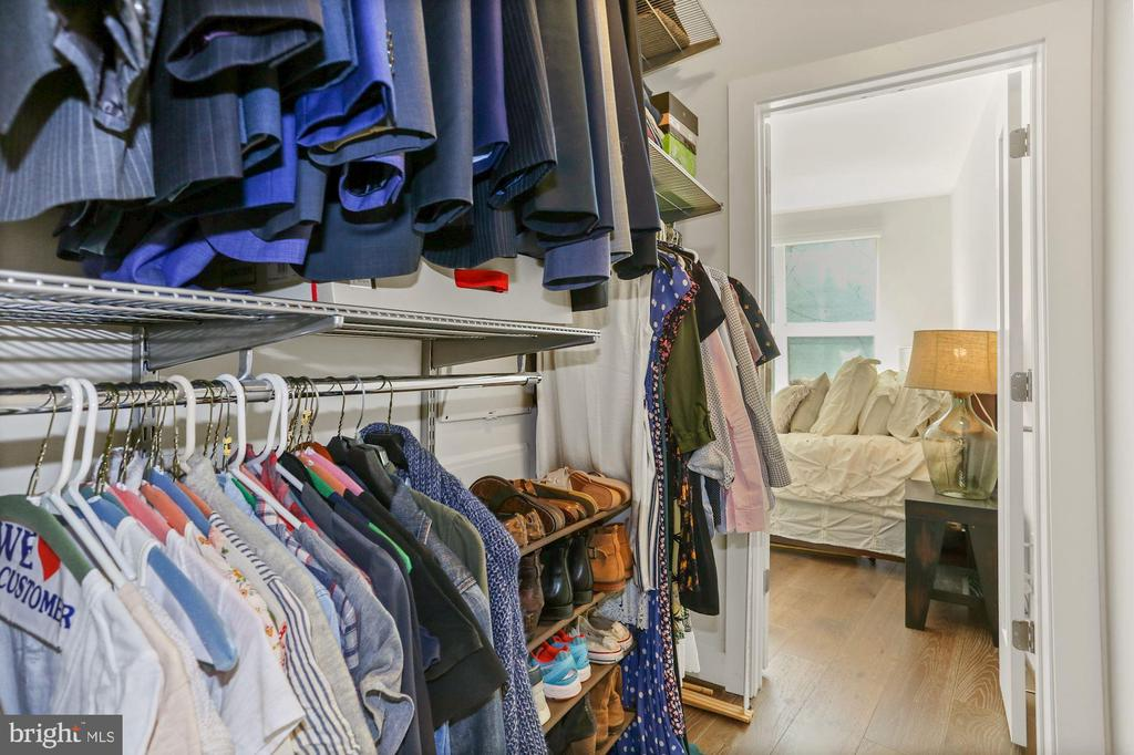 Large, Walk-In Elfa Customizable Closet! - 2337 CHAMPLAIN ST NW #104, WASHINGTON