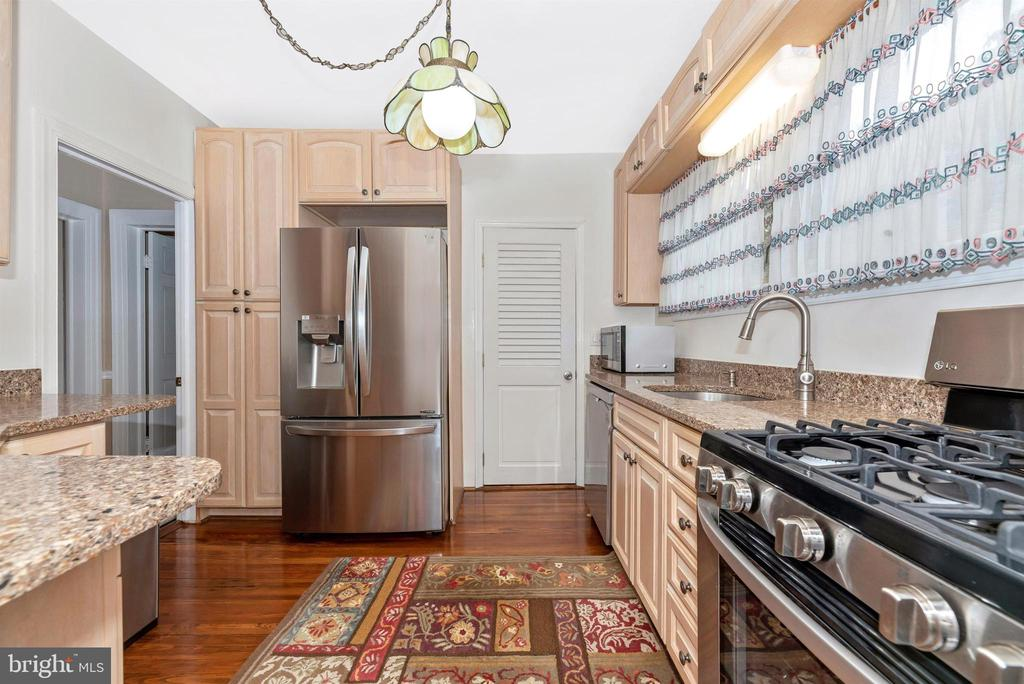 Main Level Kitchen - 316 W COLLEGE TER, FREDERICK