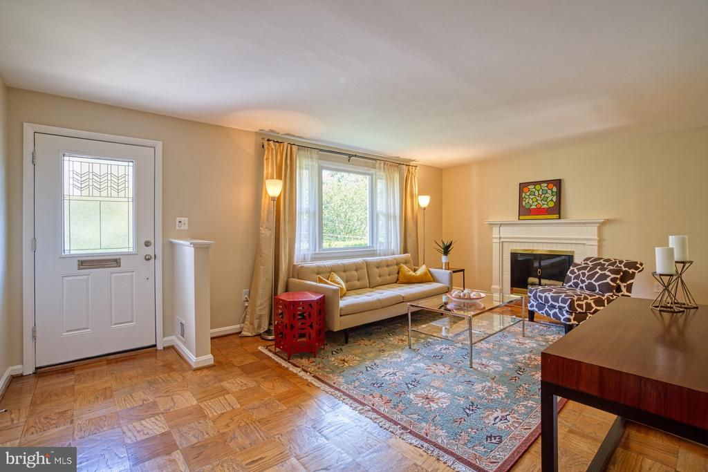 Open and Bright Living Room - 3130 VALLEY LN, FALLS CHURCH