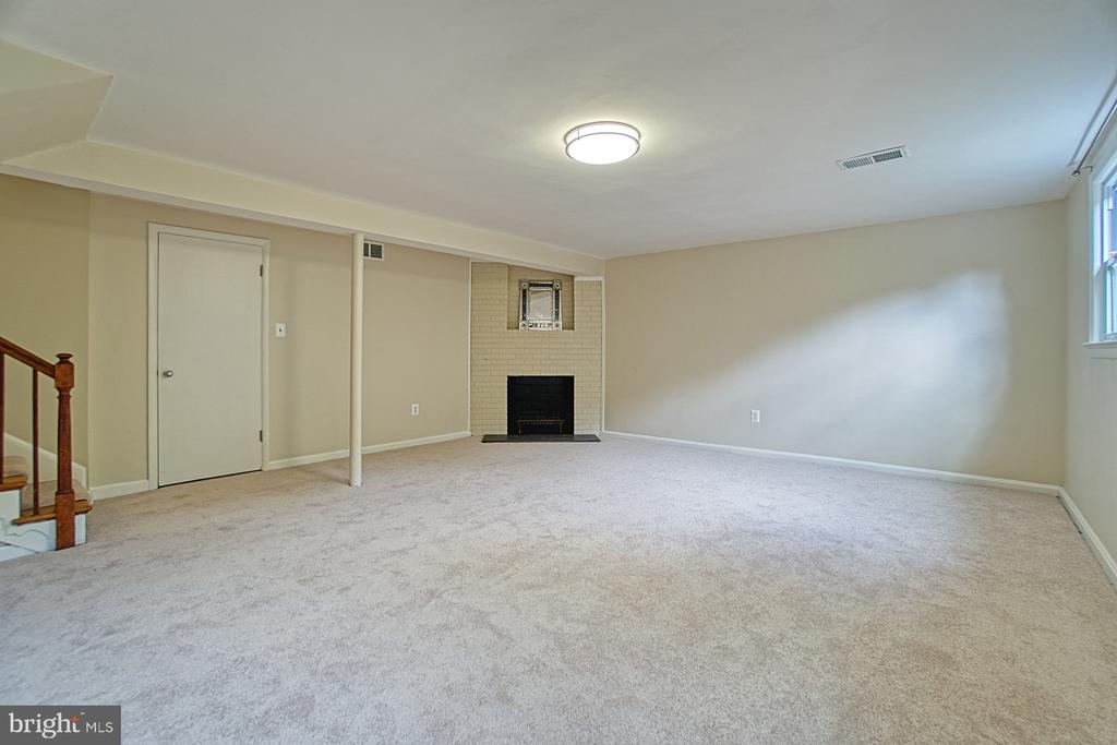 Open and Bright Rec Room w/ Wood burning Fireplace - 3130 VALLEY LN, FALLS CHURCH