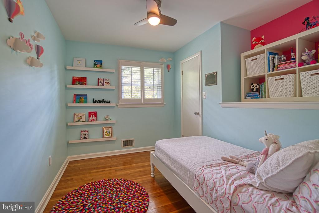2nd Bed with Plantation Shutters and Elfa Closets - 3130 VALLEY LN, FALLS CHURCH