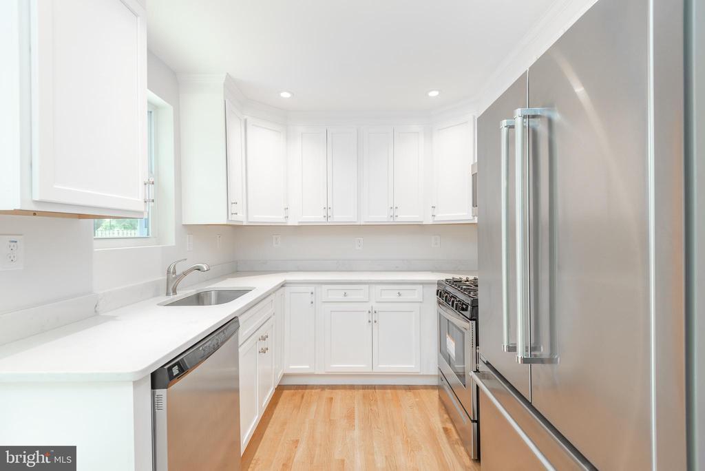 New Kitchen - Quartz Counters - 9113 WALDEN RD, SILVER SPRING