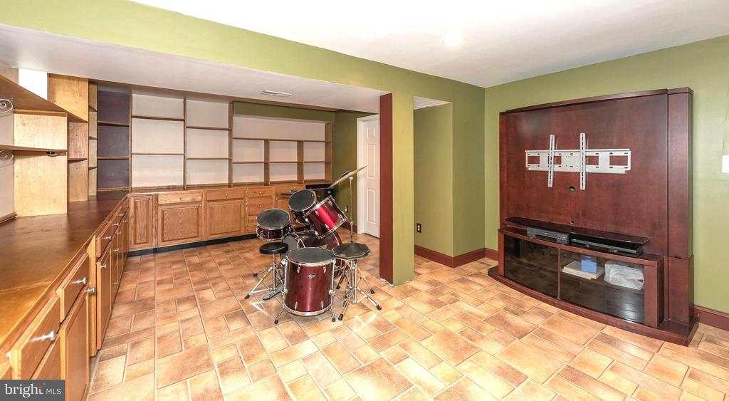 Basement Recreation Room - 7 MILL FORGE CT, THURMONT