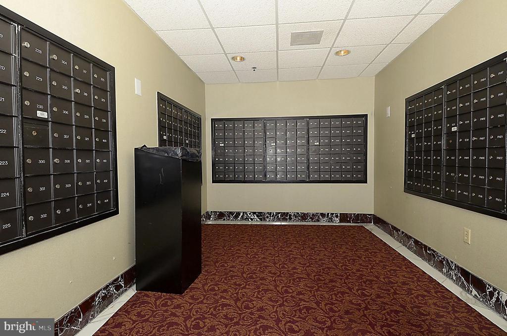 Mail room in the lobby - 1276 N WAYNE ST #805, ARLINGTON