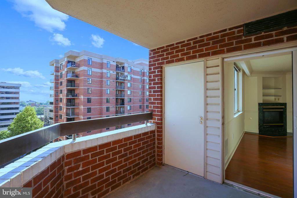 HVAC behind the door - 1276 N WAYNE ST #805, ARLINGTON