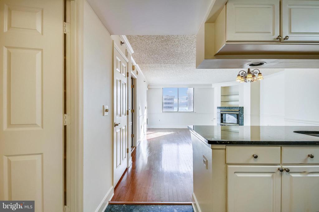 Open floor plan - 1276 N WAYNE ST #805, ARLINGTON