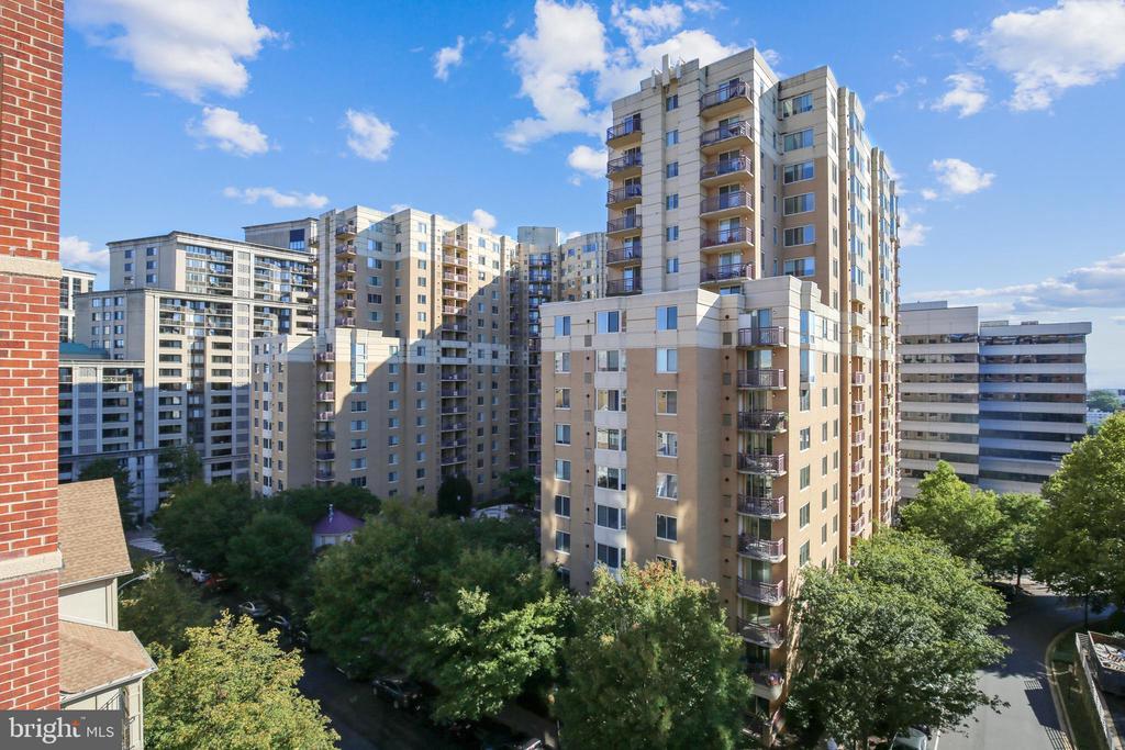 View from the balcony - 1276 N WAYNE ST #805, ARLINGTON